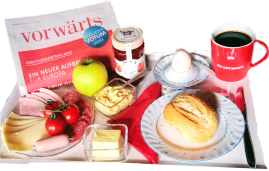 """Frühstücksgedeck mit Zeitung """"Vorwärts"""""""