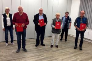 Vier Mitglieder des Ortsvereins Sörup, die für lange Mitgliedschaft geehrt wurden.